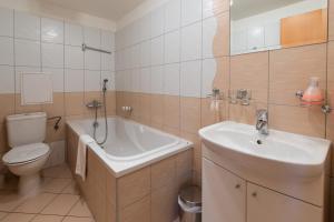 Urpín City Residence, Hotels  Banská Bystrica - big - 41