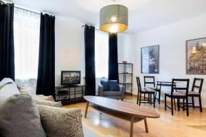 Warsaw New Town Apartments by Renters