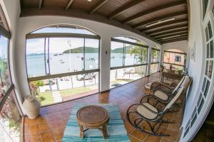 Casa Aconchegante Baia dos Golfinhos. - Governador Celso Ramos