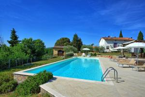 San Gimignano Apartment Sleeps 4 Pool WiFi - AbcAlberghi.com