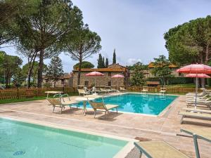 Vernazzano Basso Apartment Sleeps 6 Pool WiFi - AbcAlberghi.com