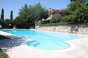 Racciano Apartment Sleeps 2 Pool Air Con WiFi - AbcAlberghi.com