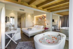 Camera Matrimoniale Deluxe Panorama con Vasca Idromassaggio