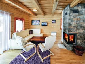Three-Bedroom Holiday Home in Malatiny