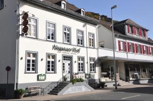 Nassauer Hof - Holzfeld