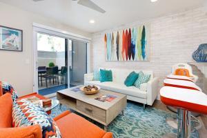 Walnut Apartment 1371 Condo - Neff