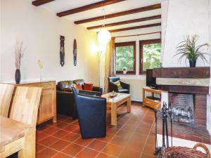 Two-Bedroom Holiday Home in Thalfang - Berglicht