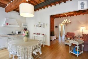 Guest Apartment Lory - AbcAlberghi.com