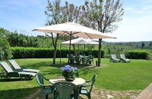 San Gimignano Apartment Sleeps 4 Air Con T240277 - AbcAlberghi.com