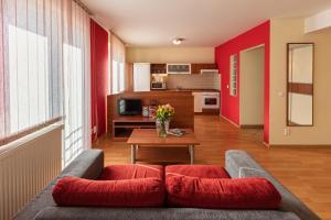 Urpín City Residence, Hotels  Banská Bystrica - big - 2