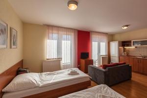 Urpín City Residence, Hotels  Banská Bystrica - big - 53