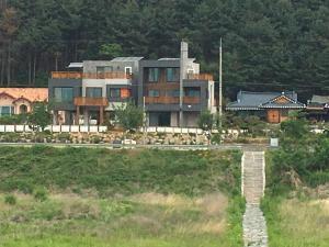 Grace River House (Block B) - Hotel - Hoengsong