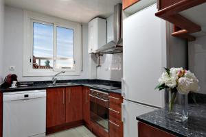 Classbedroom Apartments IV