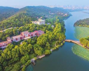 Shangri-La Hotel, Hangzhou, Hotely - Chang-čou