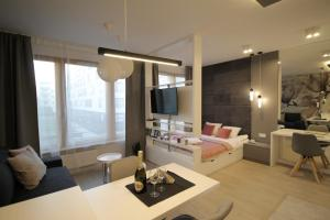 MAYS LUX APARTMENTS