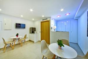 Poble Espanyol Apartments, Апартаменты  Пальма-де-Майорка - big - 11