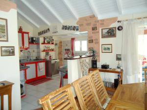 Villa Route de la Rossette, Vily  Le Moule - big - 16