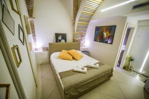 Little Italy Hostel - AbcAlberghi.com