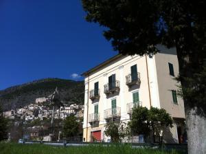 La Rocca Mia House B&B - AbcAlberghi.com
