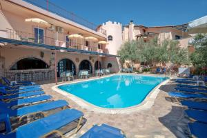 Hostales Baratos - Kleoni Club Apartments