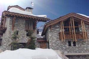 Val d Isere Chalet Sleeps 10 Pool WiFi
