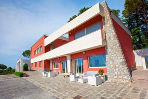 Sorrento Villa Sleeps 12 Pool Air Con WiFi