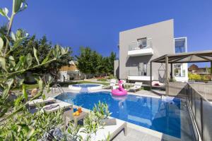 obrázek - Kastellakia Villa Sleeps 8 Pool Air Con WiFi