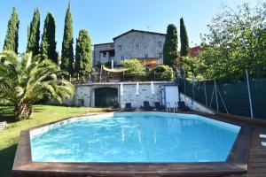 Chiatri Villa Sleeps 8 Pool Air Con WiFi - AbcAlberghi.com