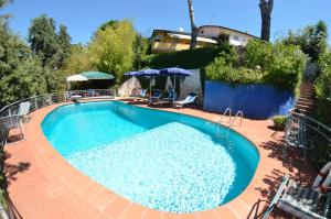 Coli Villa Sleeps 8 Pool WiFi - AbcAlberghi.com