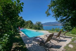 Laveno-Mombello Villa Sleeps 6 Pool - AbcAlberghi.com