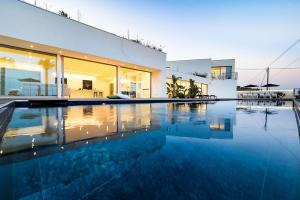 Taormina Villa Sleeps 14 Pool Air Con WiFi - AbcAlberghi.com