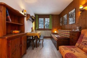 Sainte-Foy-l'Argentiere Apartment Sleeps 3 - Hotel - Chamonix