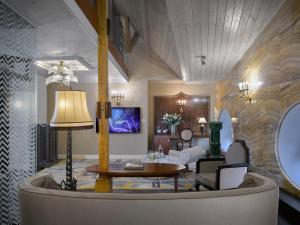 Grandezza Hotel Luxury Palace