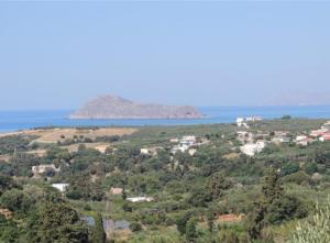 Provarma hills luxury villa gerani