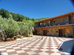 Albergue El Solitario, Vidiecke domy  Baños de Montemayor - big - 34