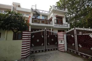Cheerful 2BHK Stay near Chakrata Road, Dehradun