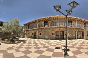 Albergue El Solitario, Vidiecke domy  Baños de Montemayor - big - 44