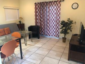 Beautiful New Home in Burbank 1bd - Hotel - Burbank