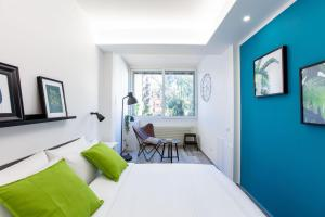 Colourful and bright flat near Vatican