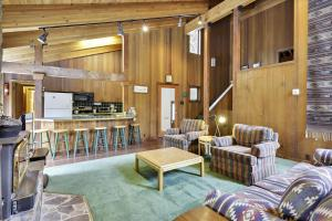 Alpine Meadows Mineral Springs Getaway - Hotel - Alpine Meadows