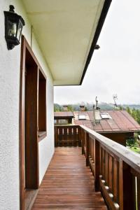 CanguroProperties - Ronco Apartment - AbcAlberghi.com