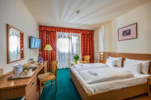 Zichy Park Hotel, Hotels  Bikács - big - 36