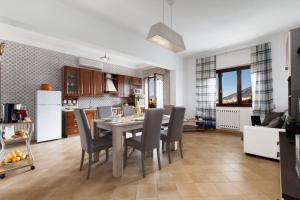 Amore Rentals - Appartamento Orazio - AbcAlberghi.com
