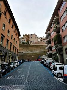 100meters from Vatican Museum - AbcRoma.com