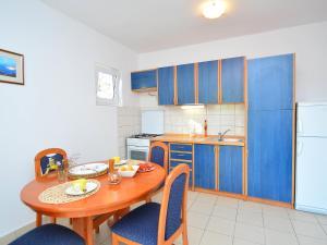 Apartment Ivan.2, Apartmány  Tribunj - big - 23