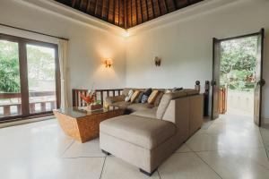 Villa Annapurna River view, Pensionen  Mengwi - big - 35