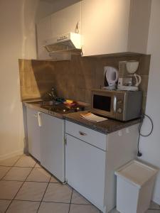 Pension zur Post, Apartments  Eutin - big - 30