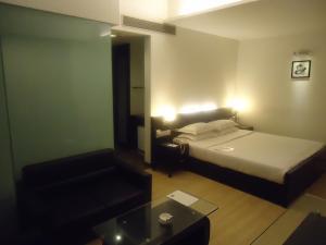 Comfort Inn Sunset, Hotels  Ahmedabad - big - 51