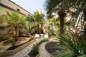 Royal Maniace Hotel - AbcAlberghi.com