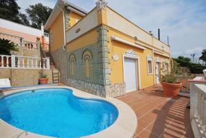 obrázek - Montbarbat Villa Sleeps 6 Pool